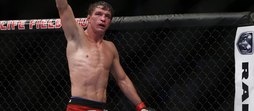 Элкинс - Ландвер: коэффициенты букмекеров на поединок на турнир UFC 17 мая