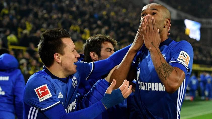 Шальке отыгрался в матче с Боруссией со счета 0:4