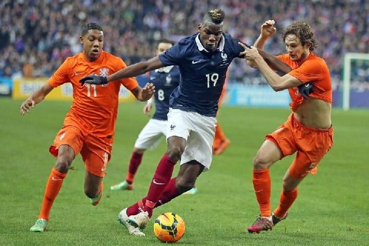 Товарищеский матч  .  Нидерланды - Франция