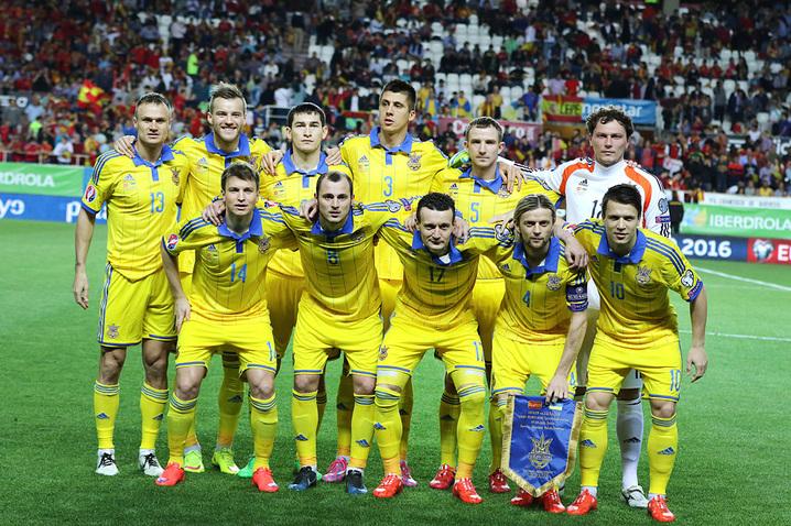 Верю в в защиту сборной Украины,в игре против Северной Ирландии.