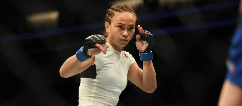 Эспарза - Уотерсон: букмекеры о женском бое на UFC 249