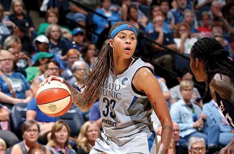 WNBA: Коннектикут принимает Вашингтон у которых не сыграет Делла Доне