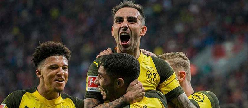 «Вольфсбург» - «Боруссия» Дортмунд: прогноз на матч Бундеслиги. Что там с голами?