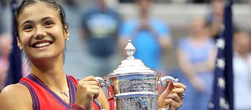 Emma Raducanu intra in istorie la 18 ani, castigand la US Open fara set pierdut