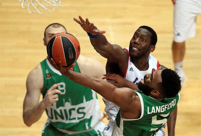 Рубрика «спасайте баскетбол». Прогноз на матч Евролиги «Барселона» - «УНИКС»