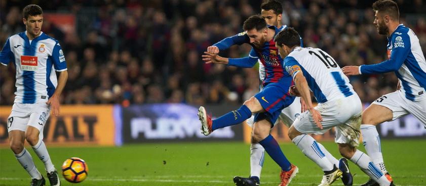 FC Barcelona - RCD Espanyol Barcelona. Pontul lui Karbacher