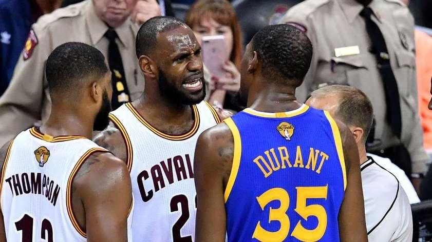 Прогноз на матч регулярки НБА «Голден Стэйт» - Кливленд «Квальерс»: сражение лучших