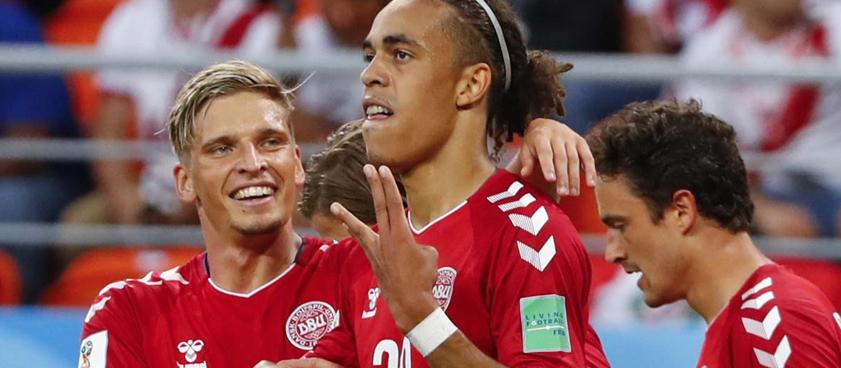 Дания – Австралия: прогноз на футбол от Александра Куницкого