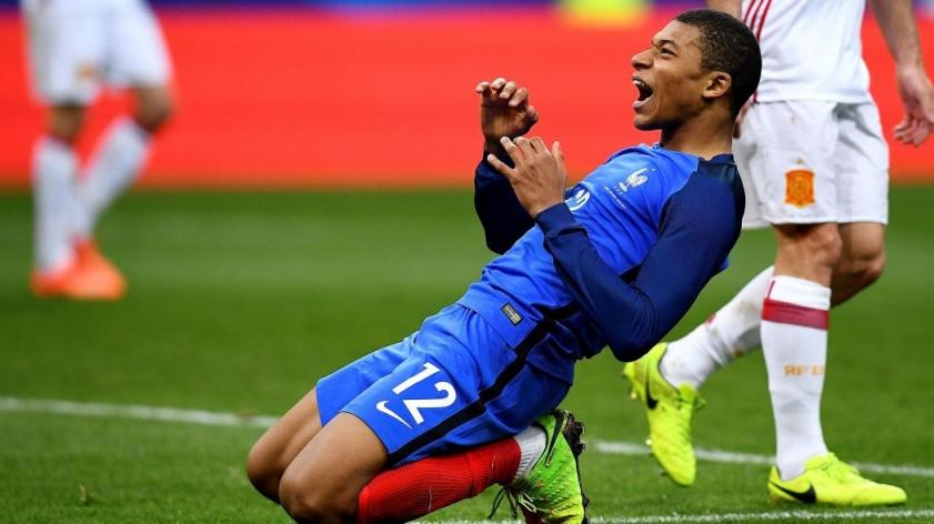 Товарищеские матчи. Прогноз на матч: Австралия - Бразилия и Франция - Англия