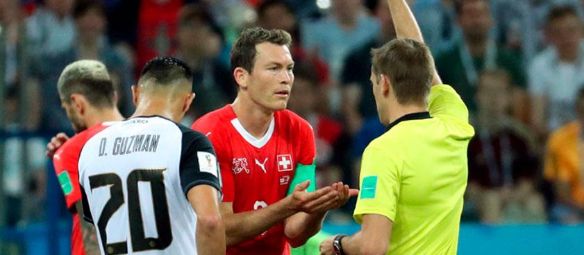 Теория ставок: как заработать на грубости и жёсткости футбольного матча?